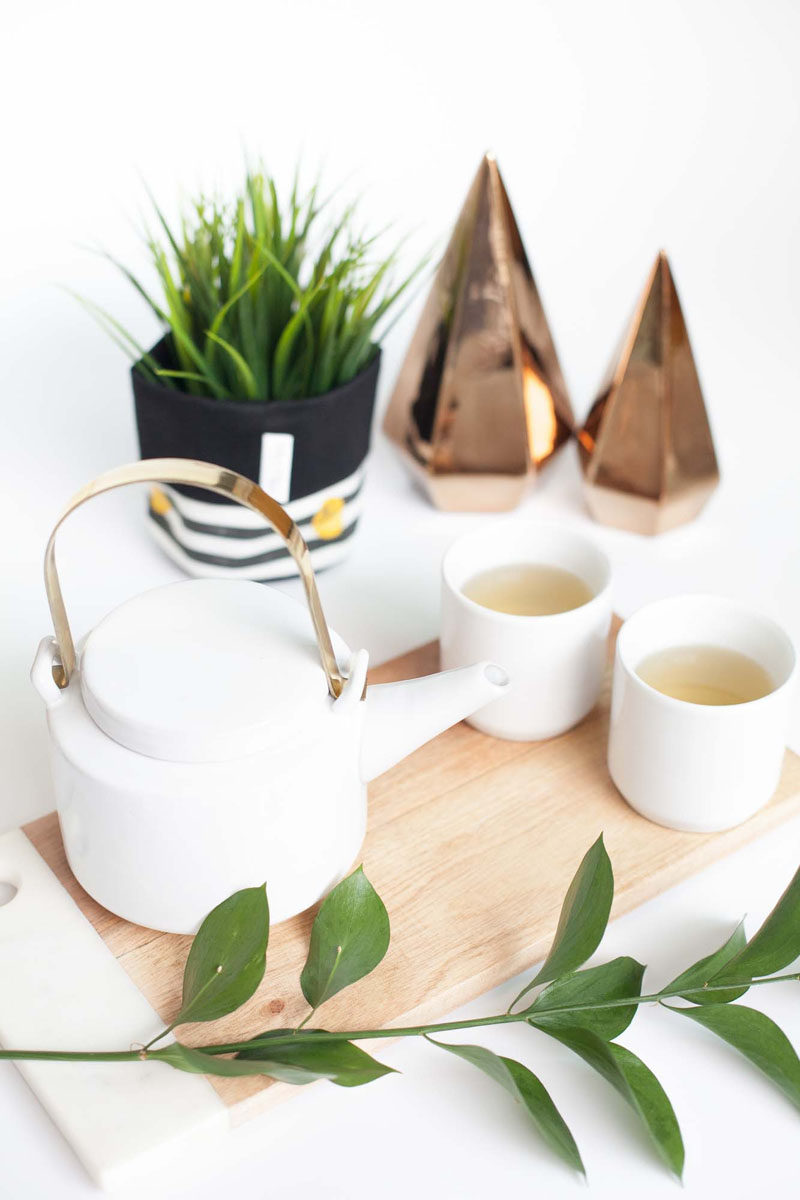 Gift Ideas For Tea Drinkers // This minimal tea set gives the recipient exactly what they need in order to get their tea obsession started.