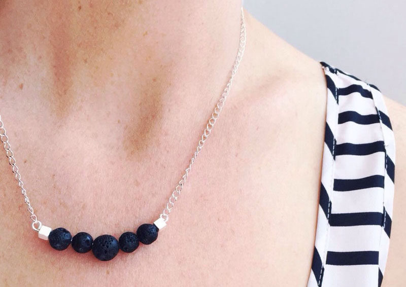 6 Ways To Introduce Modern Aromatherapy Into Your Home And Life // Diffuser Necklace