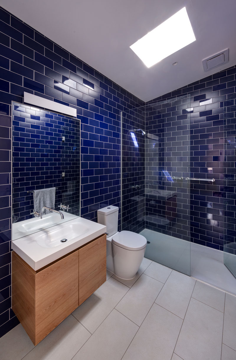 Bathroom Design Idea - Mix and Match Glossy And Matte Tiles