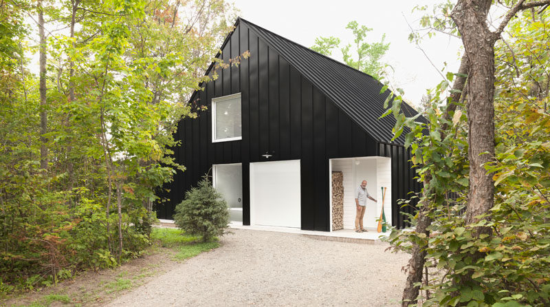 Taking inspiration from the typical architecture of an alpine chalet, Canadian design firm la SHED have designed this lakeside chalet in Lanaudière.