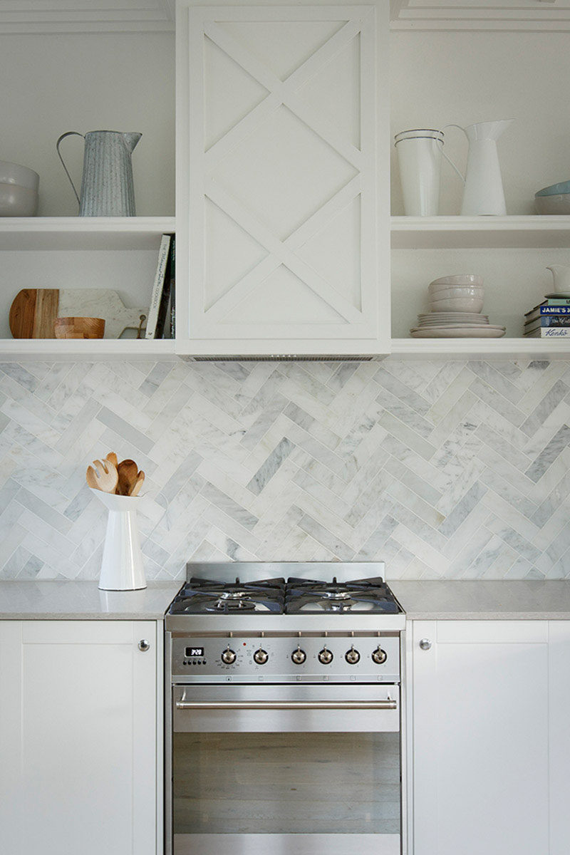 6 Ideas For Including Herringbone Patterns Into Your Interior // Herringbone Kitchen Backsplash
