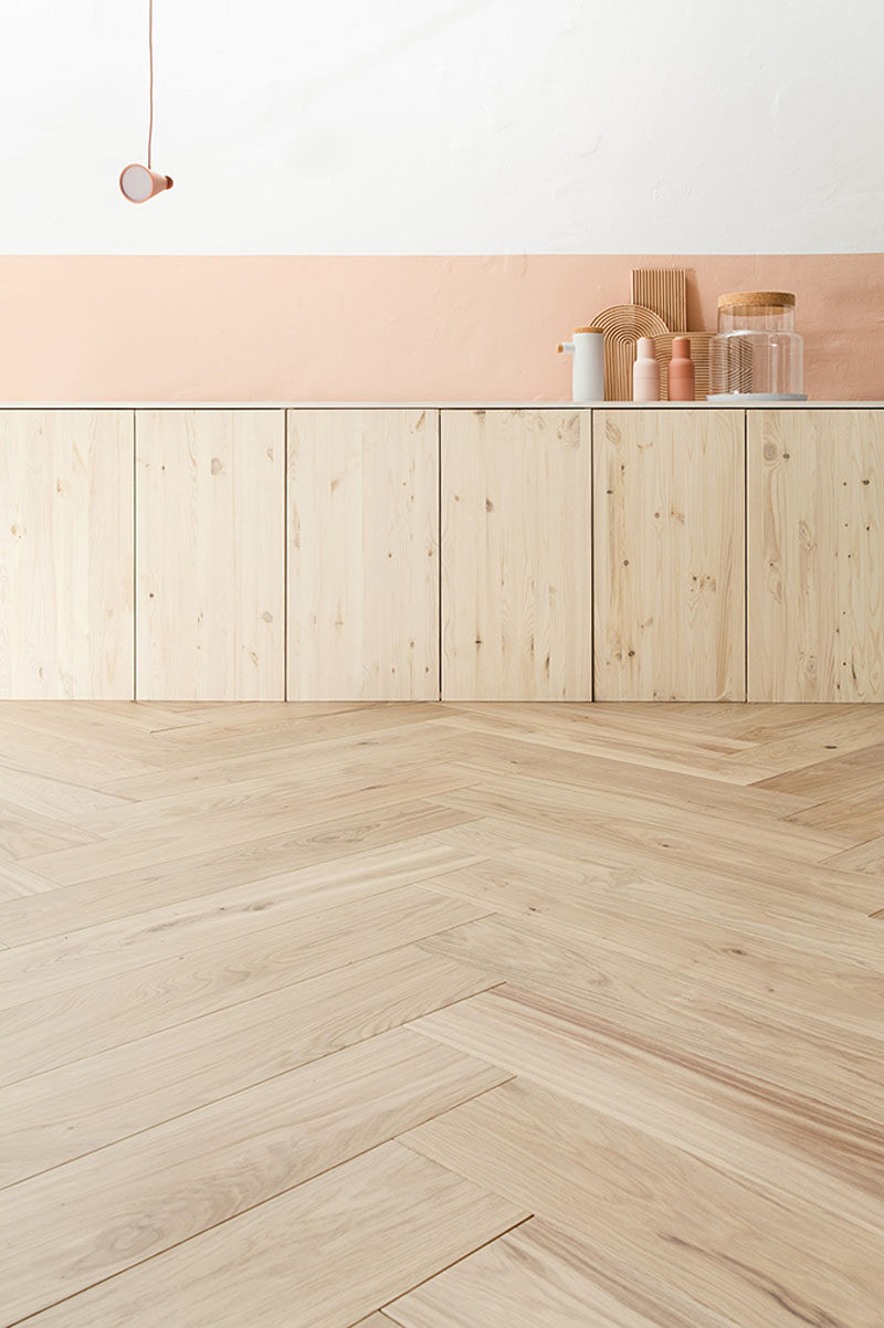 16 inspirational examples of herringbone floors contemporist for Wood floor herringbone