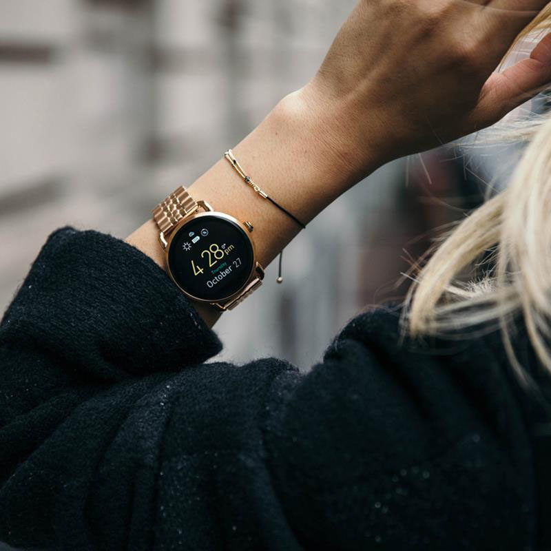 The Ultimate Gift Guide For The Modern Woman (40 Ideas!) // A smart watch with a city chic look will help keep track of all of her notifications, keep her on time, and make her busy life that much more organized. #TechGifts #GiftIdeas