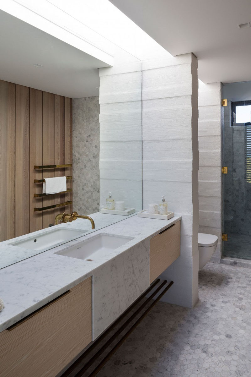 Bathroom Mirror Ideas   Fill The Wall // This Sophisticated Bathroom  Features A Massive Mirror