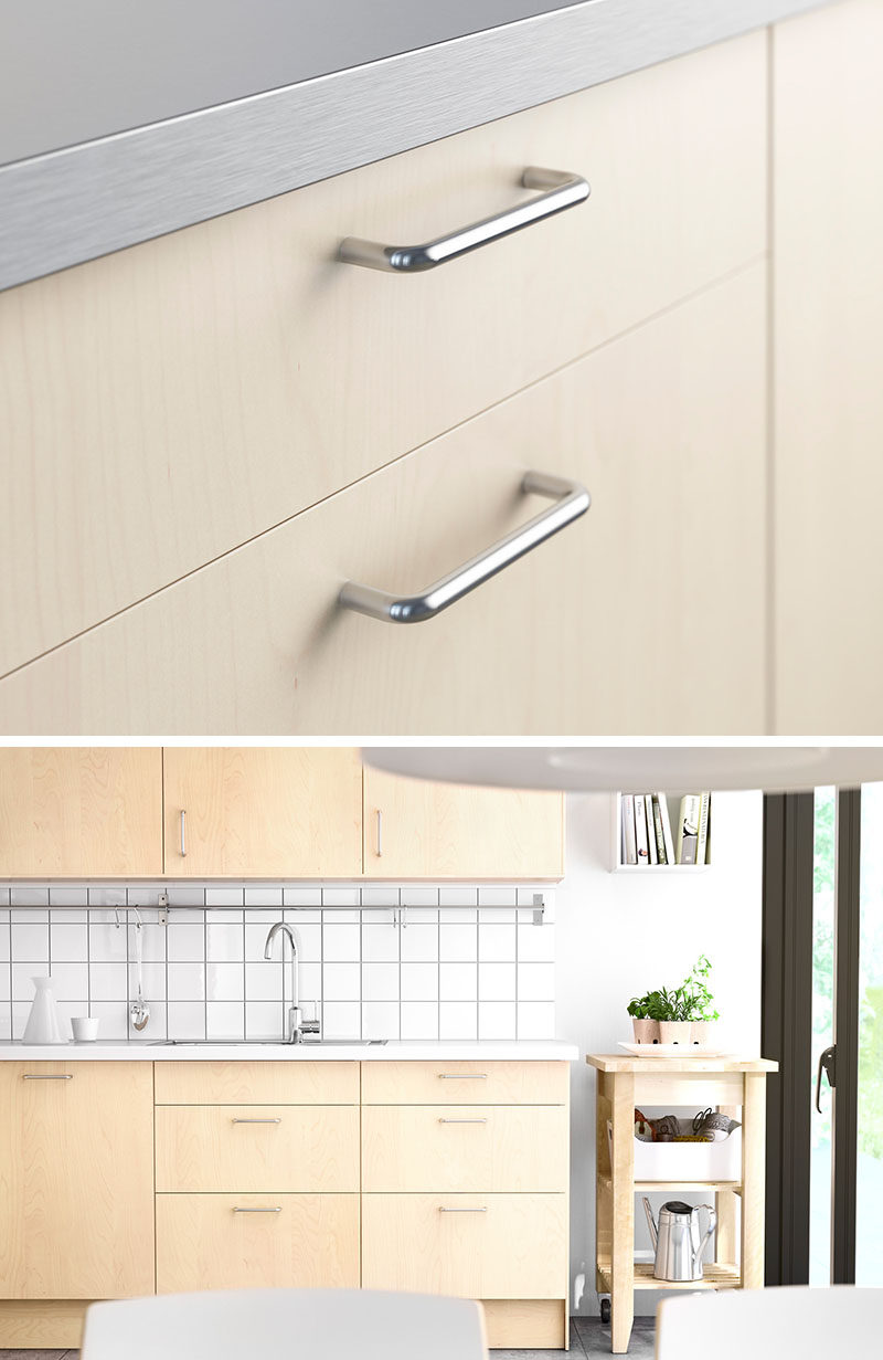 8 kitchen cabinet hardware ideas for your home contemporist for Kitchen cabinets handles ideas