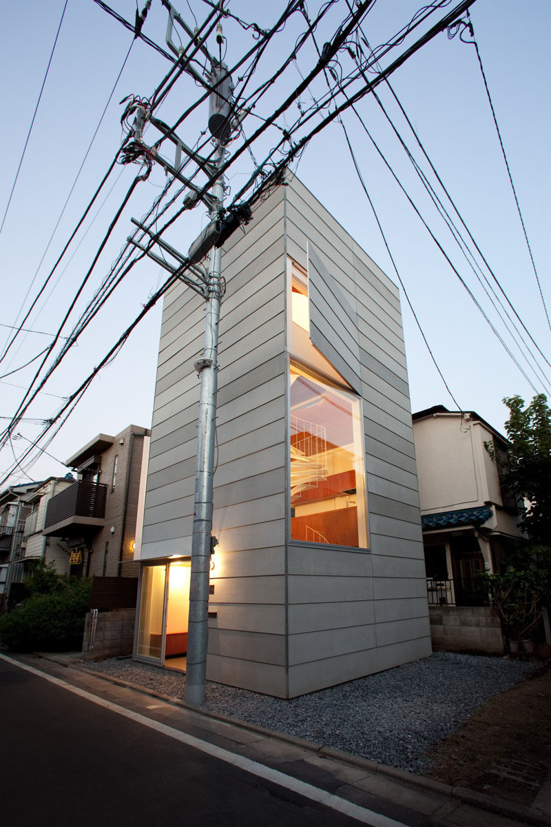 11 Small Modern House Designs // This tiny narrow house is spacious enough on the inside to comfortably fit a family of three.
