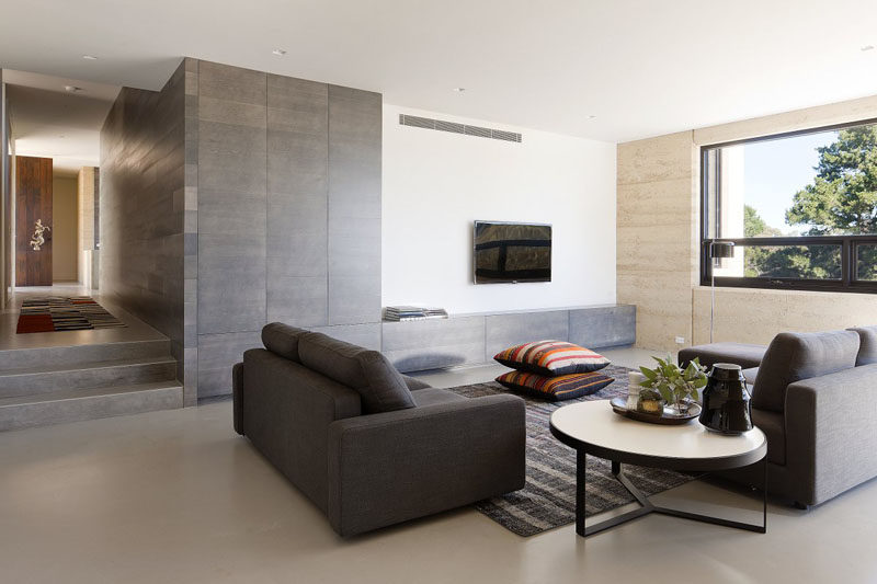 8 TV Wall Design Ideas For Your Living Room // The Lack Of Any Objects