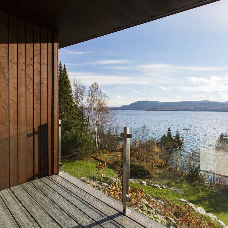 Modern Lake House Design: This Modern Lake House In Canada Has An Exterior Clad In