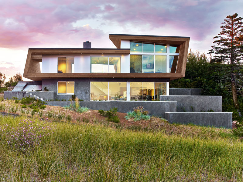 Modern Beach House a modern beach house arrives in cape cod, massachusetts | contemporist