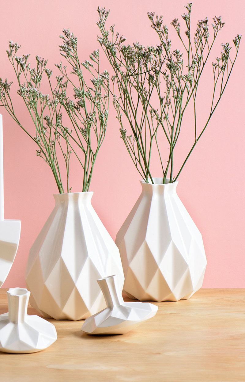 Geometric white ceramic vases.