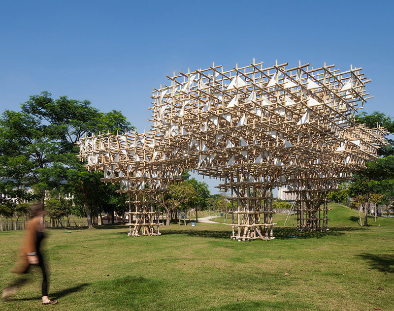 This art installation is named Treeplets Public Leisure and has been desigend by Joao O & Rita Machado of Impromptu Projects