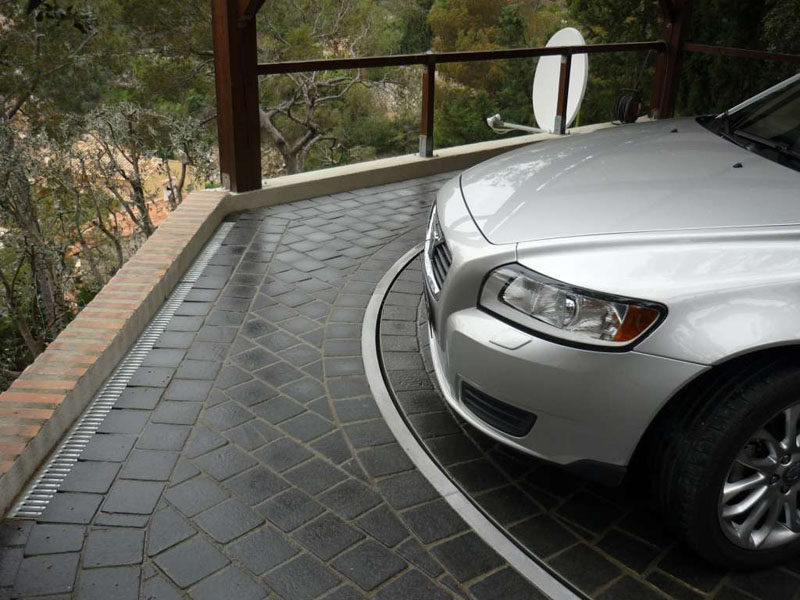 Garage Design Ideas - Include A Car Turntable If You're Short On Space Or Have A Narrow Driveway (6 pictures)