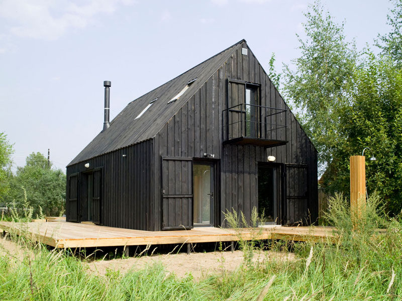 House Exterior Colors – 14 Modern Black Houses From Around The World / This entirely black home sits in a secluded field and acts as a retreat from busy everyday life.