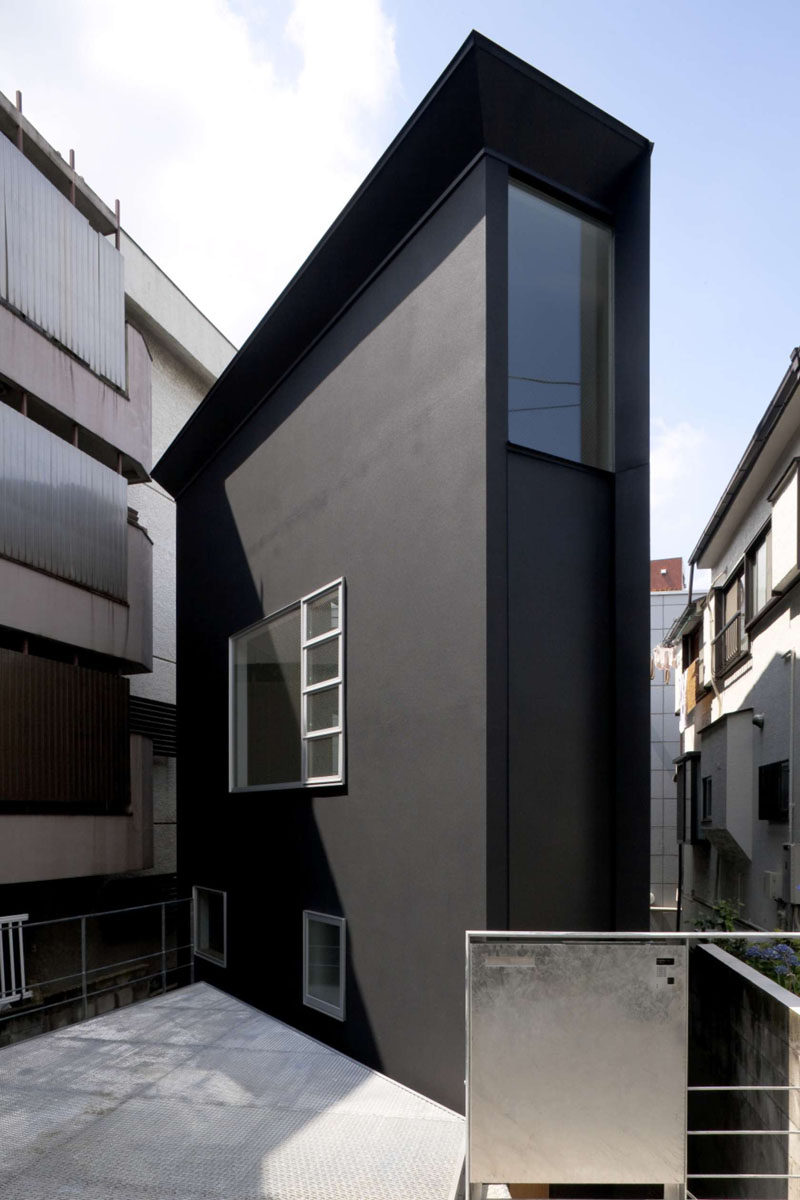 House exterior colors 14 modern black houses from around the world this super skinny