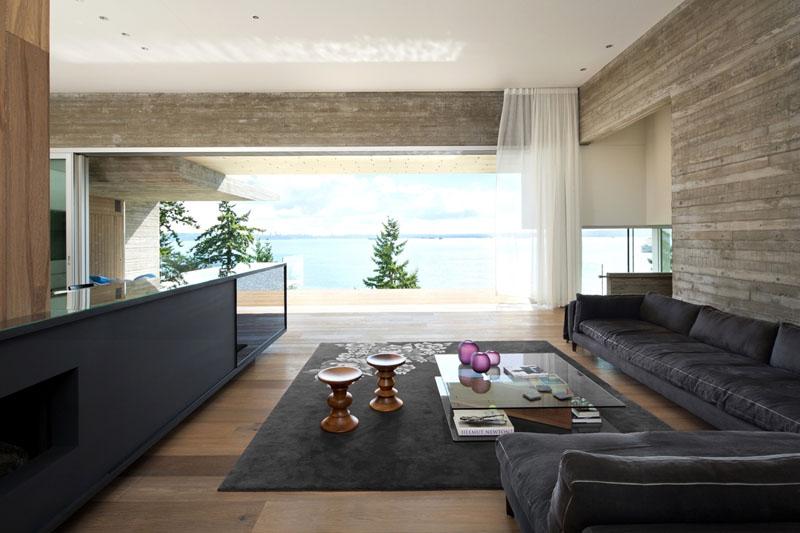 Canapé aux dimensions monumentales dans le séjour