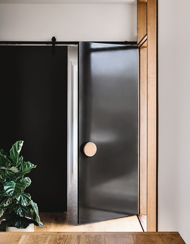 Enjoyable Front Door Design Idea Use An Oversized Circular Door Handle For Largest Home Design Picture Inspirations Pitcheantrous