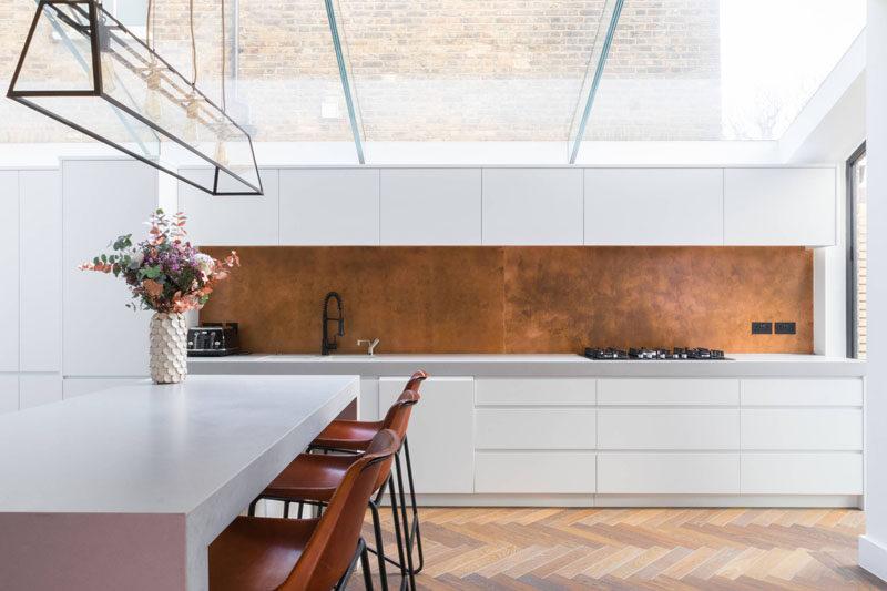 35 Fresh White Kitchen Cabinets Ideas To Brighten Your: 9 Backsplash Ideas For A White Kitchen