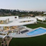 A House Of Curves On The Coast