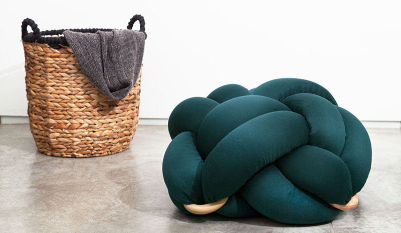 The design of this fun emerald green knot pillow was inspired by knots tied by sailors and the nautical lifestyle in general.