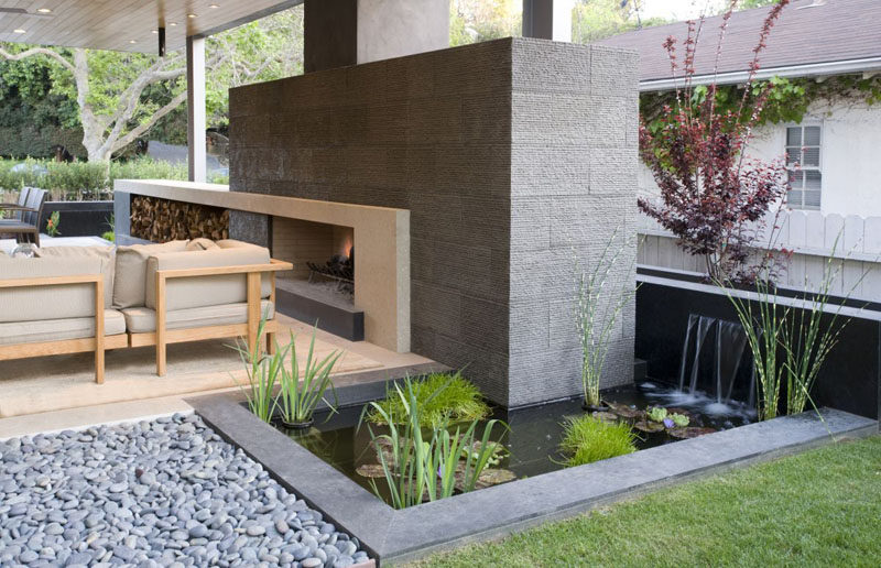 8 landscaping ideas for backyard ponds and water gardens for Contemporary pond design