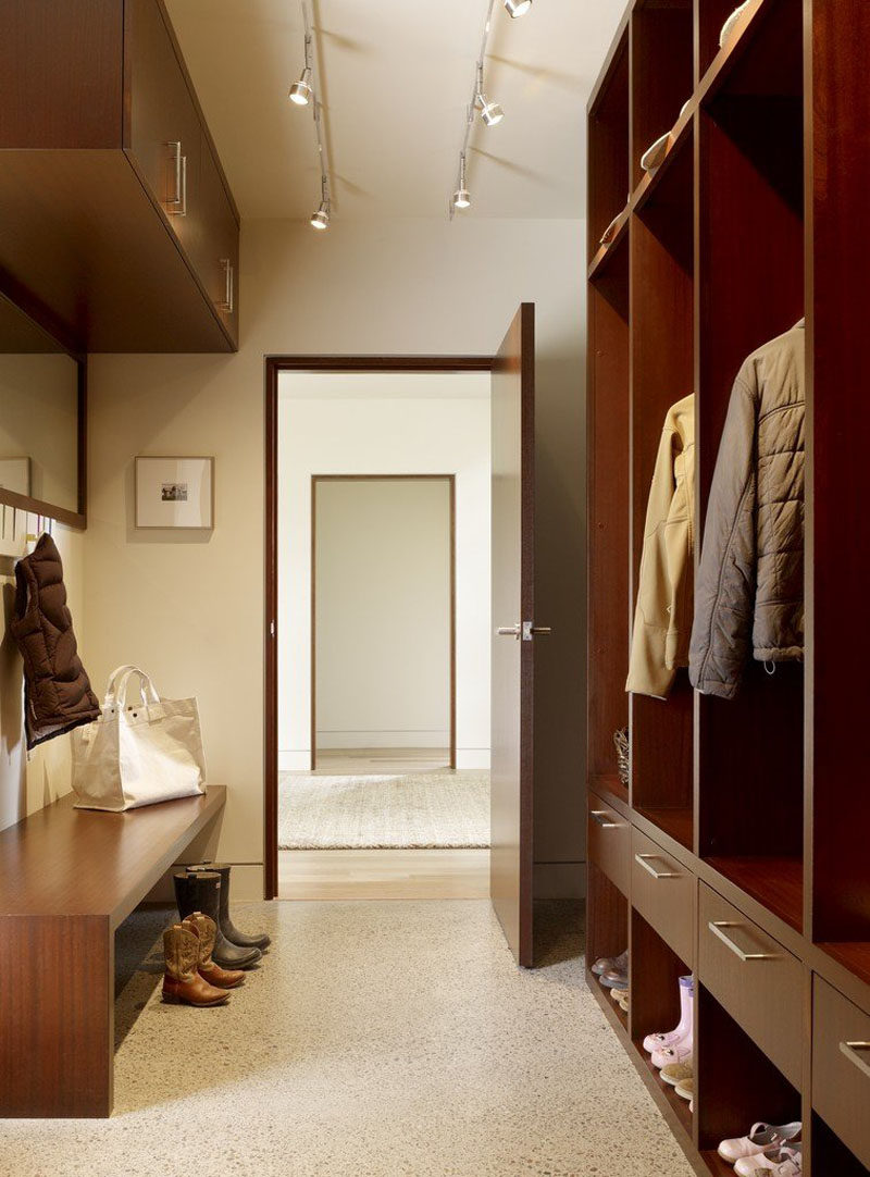 Prime 8 Modern Mudrooms To Inspire You To Keep Your Home Clean Squirreltailoven Fun Painted Chair Ideas Images Squirreltailovenorg