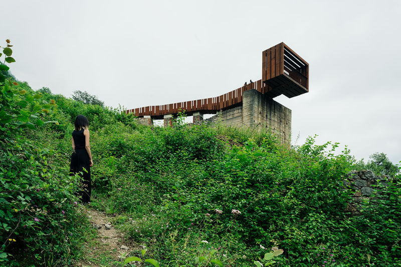 This Cantilevered Lookout Has Views Of An Old Mine In Spain