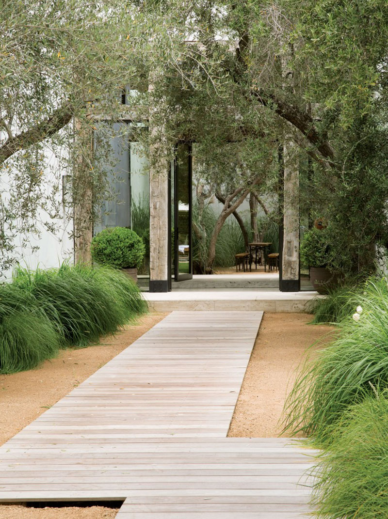 14 Modern Walkways And Paths That Are Creative And Functional on Contemporary Backyard id=67996