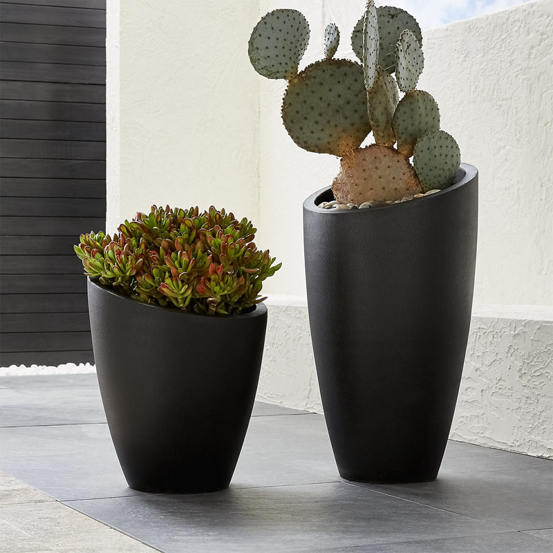These modern stylish and sturdy planters are perfect for cacti.  #HomeDecor #ModernHomeDecor #Cacti #Cactus #CactiDecor