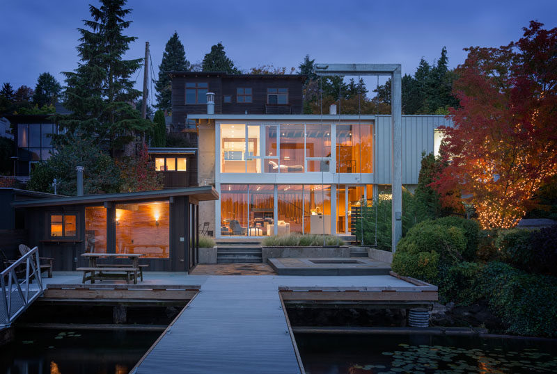 Heliotrope Architects have designed this loft-like modern house that sits on the waterfront in Seattle, Washington, for a bachelor who values his privacy.