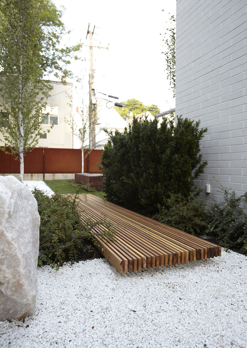 14 Modern Walkways And Paths That Are Creative And ... on Side Yard Walkway Ideas id=46760