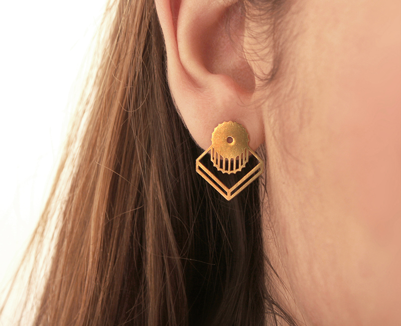 These modern earrings were inspired by the columns of Parthenon.