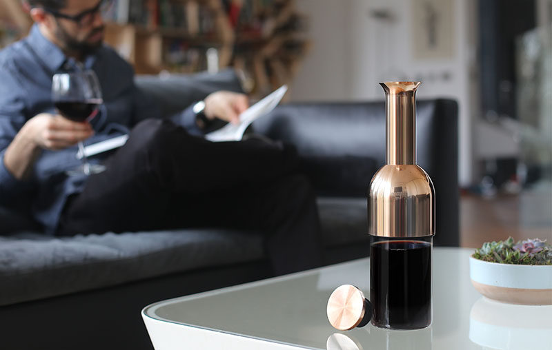Tom Cotton, an industrial designer, has just launched his latest project, eto, an elegant wine decanter and preserver that has been designed to not only store wine, but to preserve it for at least 12 days.