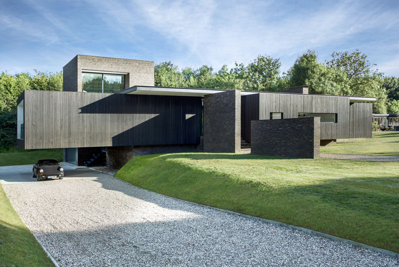 AR Design Studio have recently completed The Black House, a new house in Kent, England, for their clients, a retired engineer and Conran interior designer, who decided to move from a 15th century Tudor house and build a contemporary dream home in their garden.