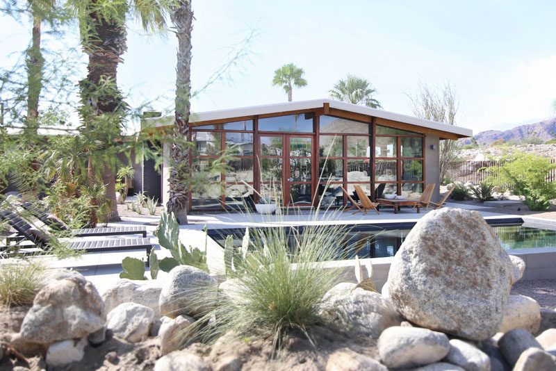 Architectural design practice Hundred Mile House, have renovated and added an addition to a custom-built post and beam mid-century ranch house built in 1954 at the base of San Jacinto Mountain in Palm Springs, California. #midcenturymodern #midcentury #architecture