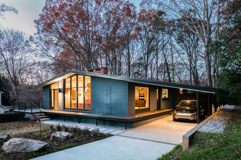 Architecture firm in situ studio have updated a well-loved, 1960's, low-sloped ranch house in Raleigh, North Carolina, and turned it into a bright and welcoming family home.