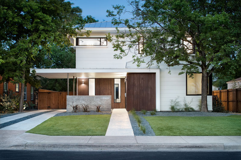 Clark Richardson Architects have designed this new residence with a detached guest house located in the North Hyde Park neighborhood of Austin, Texas. #Architecture #Landscaping #ModernHouse