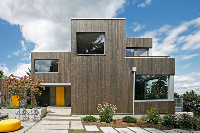 SHED Architecture & Design together with contractor and passive house consultant Hammer & Hand, have designed a new home in Seattle, Washington, that's been built in a climate-friendly way for their clients. #ModernHouse #Architecture