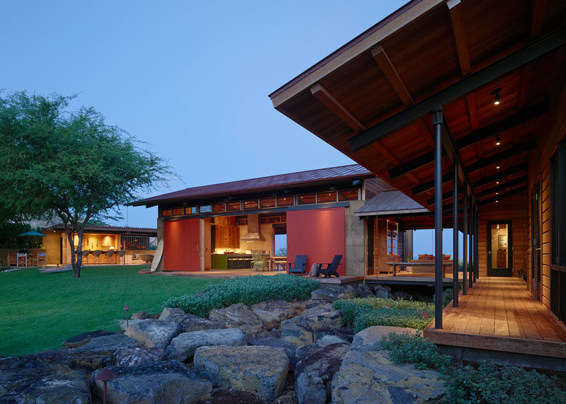 California based firm Walker Warner Architects, have designed Kahua Kuili, a contemporary house on the Big Island of Hawaii, that's a modern interpretation of a classic Hawai'i summer camp. #ContemporaryHouse #HouseDesign #Architecture