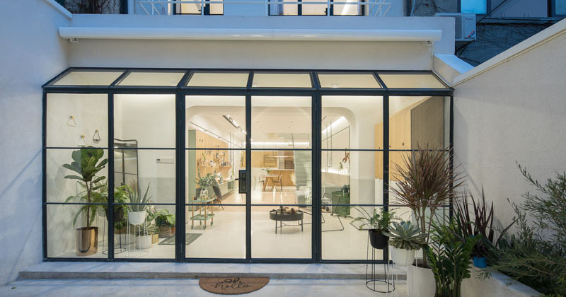 A 1940s Building In Shanghai Was Redesigned To Become A Bright And Airy Home For A Family