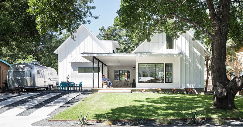 This Contemporary Version Of Traditional Texas Home Design Is ...