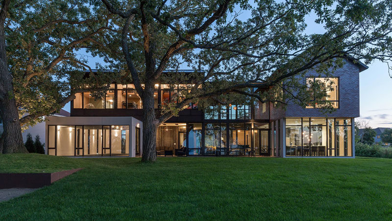 ALTUS Architecture + Design have designed an industrial modern house for a large family that sits on the shore of Lake Waconia inMinnesota. #IndustrialModern #Architecture
