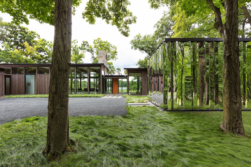 This Home Has A Mirrored Shed That Almost Blends Into Its Surroundings