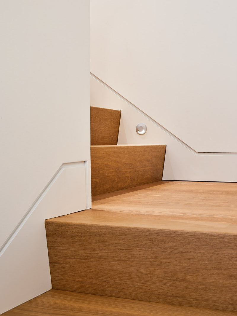 These simple modern stairs are made from White Oak. #Stairs #WhiteOak
