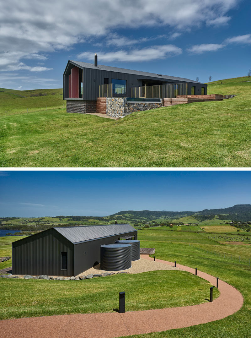 Atelier Andy Carson have designed a two bedroom modern guest house in  Gerringong, Australia, that has simple farm shed like appearance, with a welcoming interior. Click through to see more photos, including the interior. #GuestHouse #ModernArchitecture #Architecture