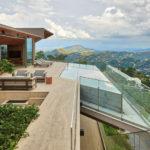 Anastasia Arquitetos Design A Home In The Mountains Of Brazil