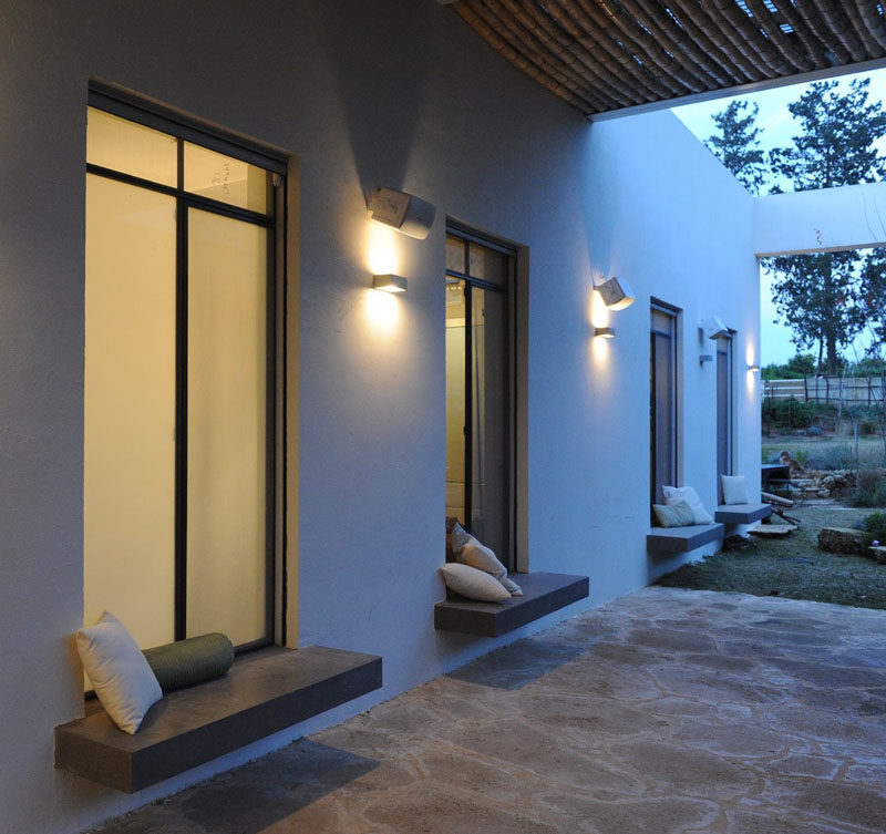 exterior built in window seating 130518 1122 01 800x753 - 10+ Small House Home Window Design Outside PNG