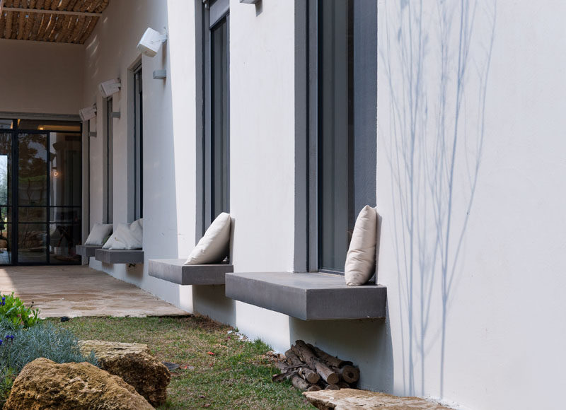 Design Detail Exterior Built In Window Seats