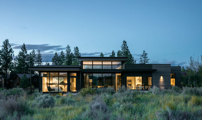 DeForest Architects have designed a modern house in Bend, Oregon, for their clients, an interior designer and her partner, as a place to getaway, recharge and relax. #ModernHouse #ModernArchitecture