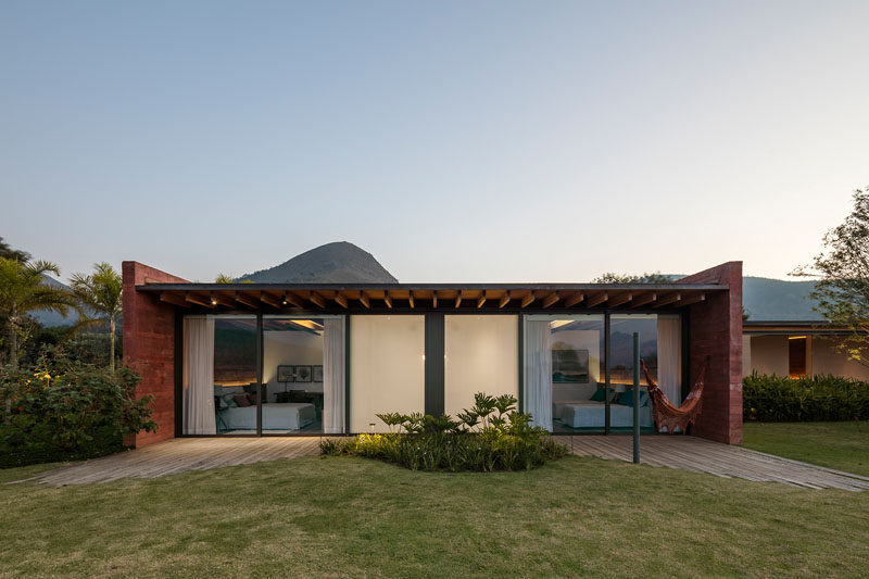 This modern house has multiple bedrooms that are designed as a mirror of each other. #Bedrooms #Architecture #PigmentedConcrete #ColoredConcrete
