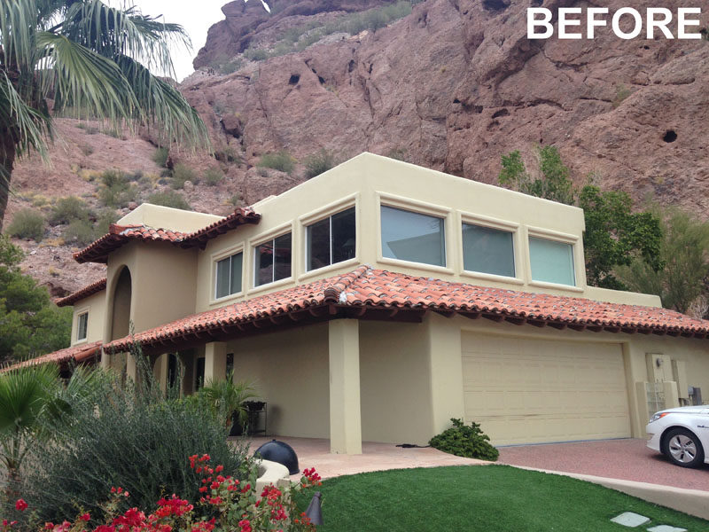 The Ranch Mine have recently transformed aSpanish Colonial Revival style house into the 'Red Rocks' residence, a modern house that sits against theside of Camelback Mountain in Phoenix, Arizona. #BEFOREPIC